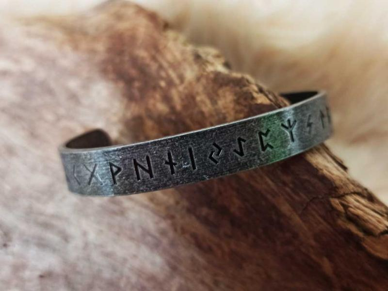 Viking runes bangle made in stainless steel
