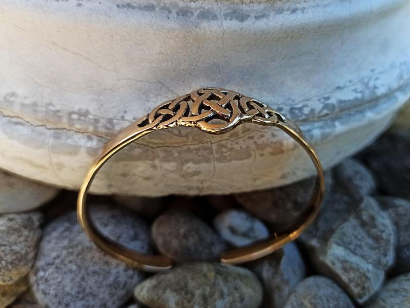 Celtic bangle Celtic knot