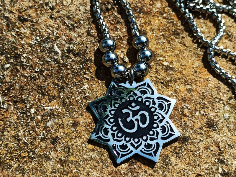Aum on a long chain
