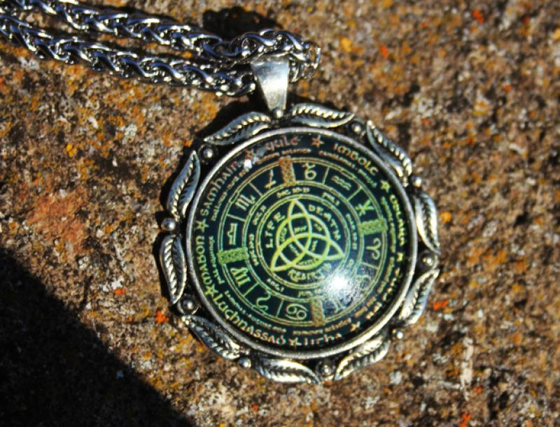 Wicca annual circle amulet