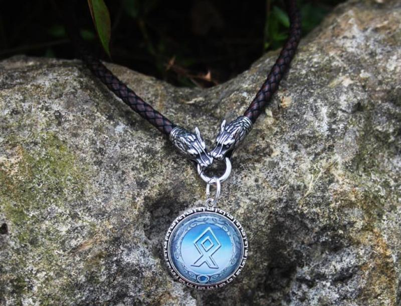 Wolf leather necklace Amulet