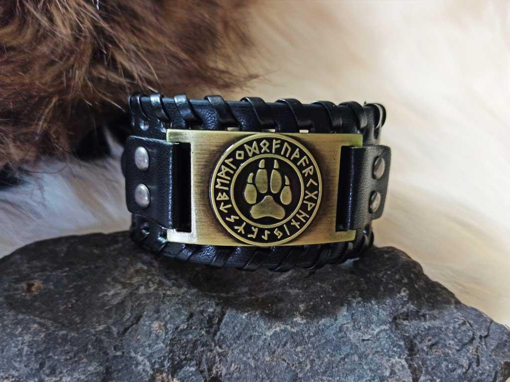 Bear claw leather bracelet