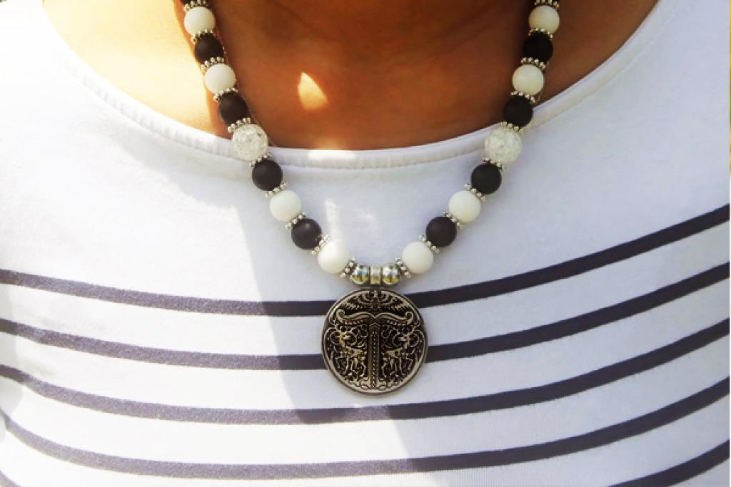 Irminsul on white jade and black onyx