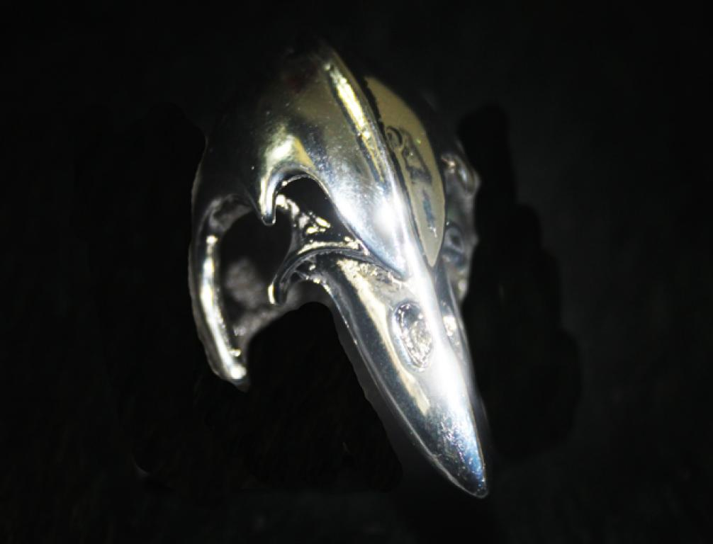 Large massive raven skull ring