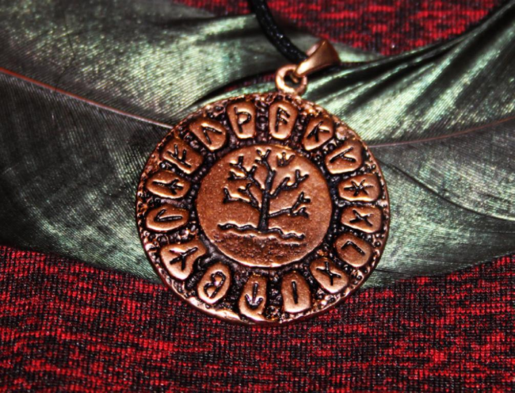 Tree of Life in the Rune Circle